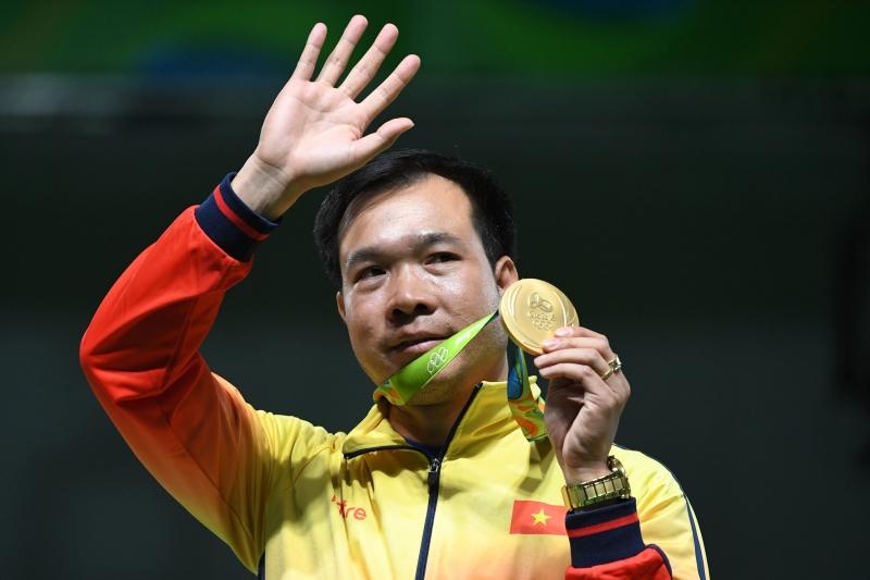 هوانغ تشوان فينه أهدى فييتنام أول ذهبية (أ ف ب)