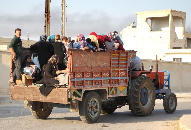 سوريون يغادرون منطقة طيبة الإمام بفعل الاشتباكات