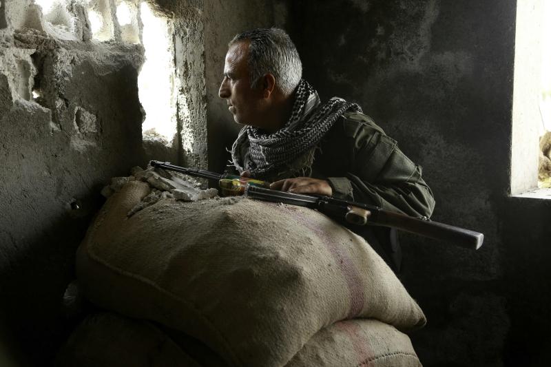 فيشمان: الأميركيون ينظرون إلى الكرد كوقود للحرب بدلاً من قواتهم البرية