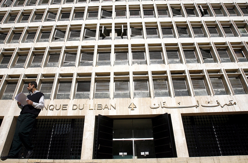 انخفضت السيولة بالدولار في السوق إثر استخدامها لشراء يوروبوندز وشهادات إيداع (مروان طحطح)