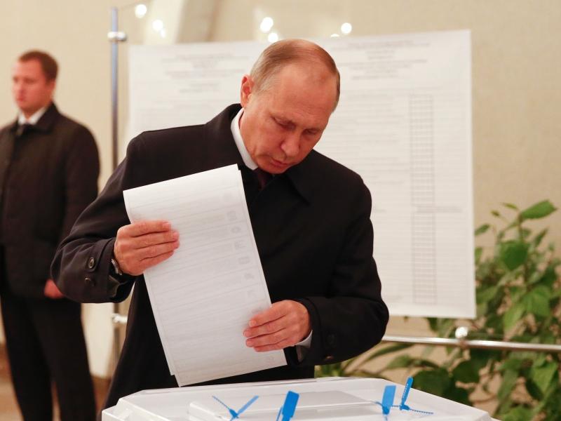 من المتوقع أن يفوز بوتين أيضا في الانتخابات الرئاسية لعام 2018 (أ ف ب)