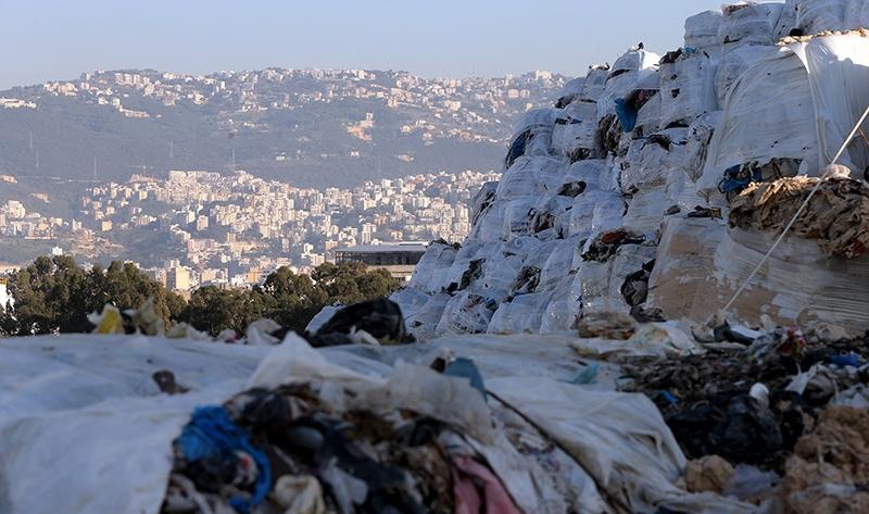 أكدت «أزمة النفايات» عدم أهليّة النخبة السياسية ودولتها لضمان حد أدنى من الخدمات العامة للمواطنين (هيثم الموسوي)