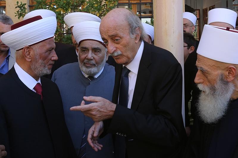 لم يشكّ أبو حمزة لحظة واحدة بأن جنبلاط سـ»يجرجره» أمام المحاكم (مروان طحطح)