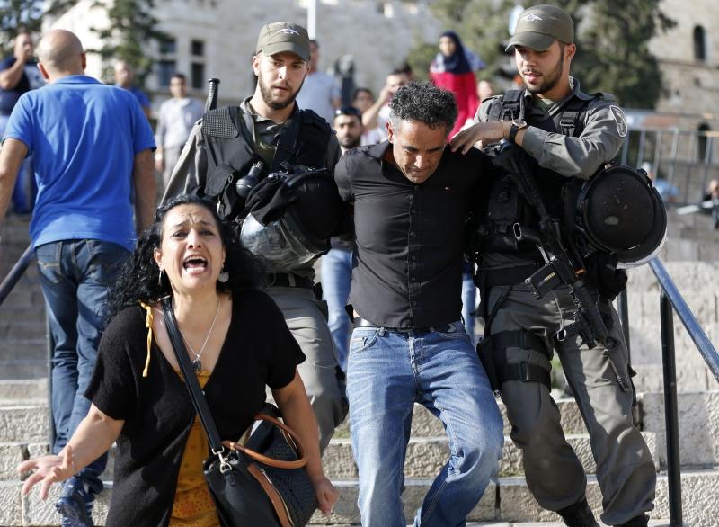 الشعب الفلسطيني ما زال يعمل على تطوير استراتيجياته الخاصة التي تناسب بيئة نضاله (أ ف ب)