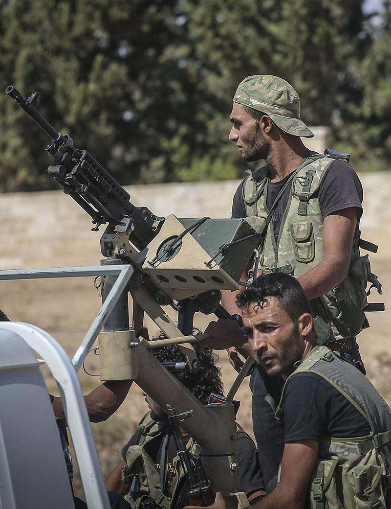 حركة الانشقاقات والانقسامات التي دارت منذ فك «جبهة النصرة» ارتباطها بـ«القاعدة» تسارعت في الأسبوعين الأخيرين (الأناضول)