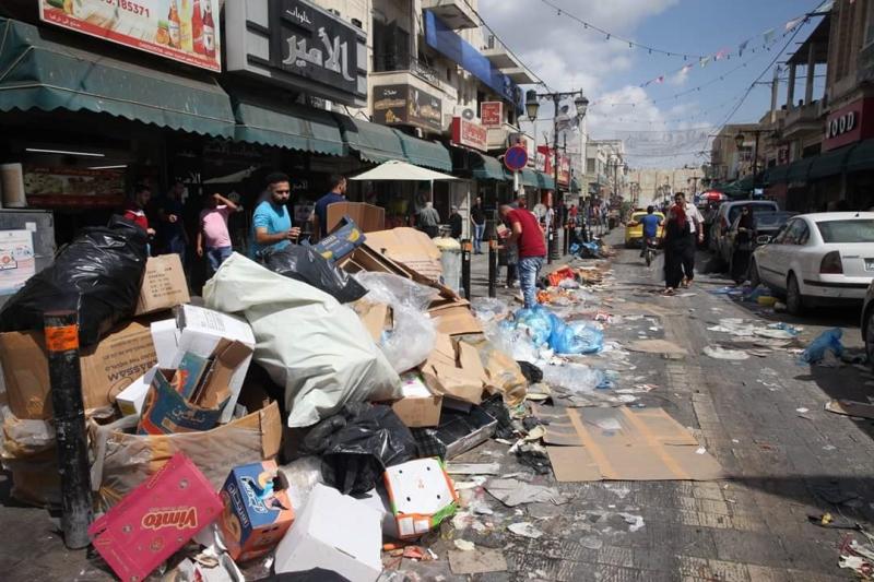 كما في لبنان كذلك في طجولكرم: زبالة ع مدّ النظر! (عن الفايسبوك)