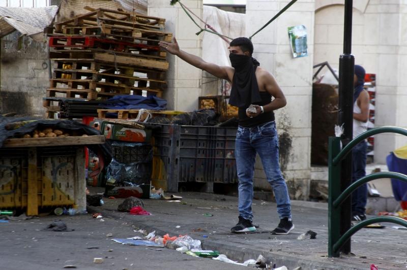معركة فلسطين هي العنوان لمعارك كل القوى المناهضة للاستعمار الأميركي (الأناضول)