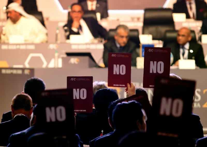 صوّت 42 عضواً ضد استكمال الانتخابات (أ ف ب)