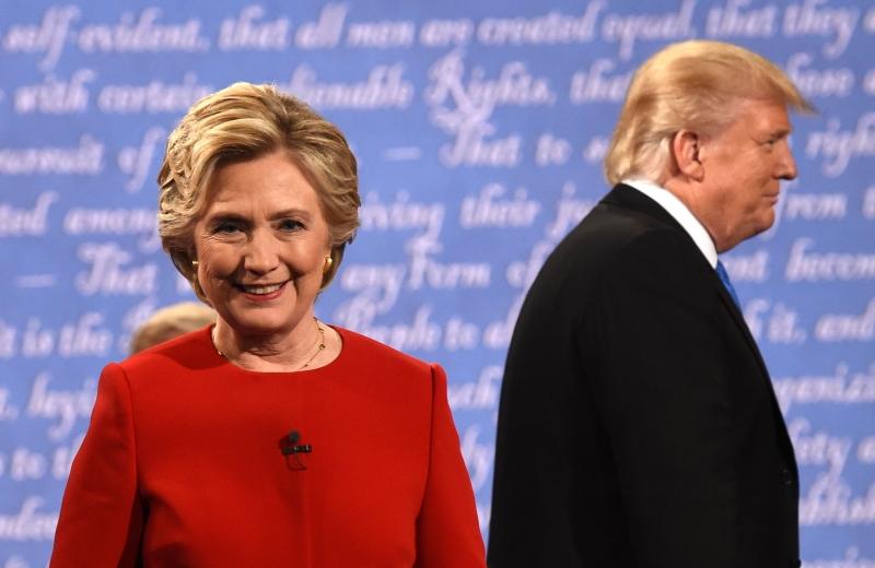 يخوض المرشحان مناظرتين أخريين في 9 و19 تشرين الأول (أ ف ب)