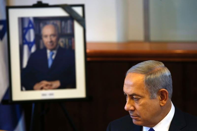 فقدت أنظمة «الاعتدال العربي» أهم شريك لها، فيما فقدت إسرائيل شخصية قيادية مؤسسة (أ ف ب)