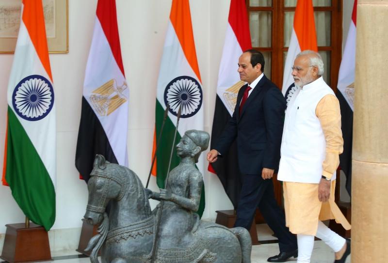 وصل السيسي يوم أمس إلى الهند في زيارة مدتها 3 أيام (آي بي ايه)