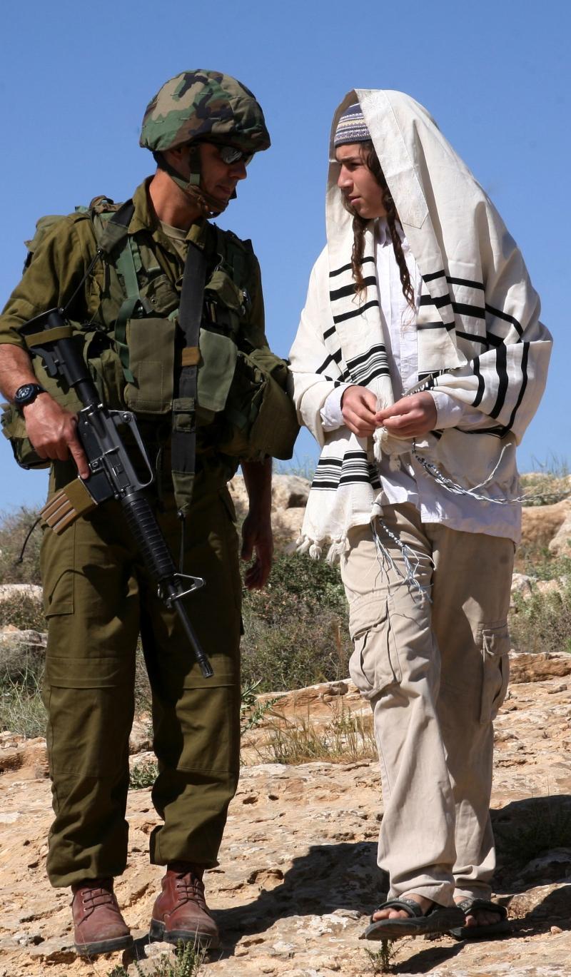 تتوالى التحذيرات في إسرائيل من تنامي الخطر الداخلي وإمكان اندفاعه نحو «حرب أهلية» (آي بي ايه)