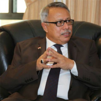 رئيس حكومة الإنقاذ اليمنية: عبد العزيز بن حبتور