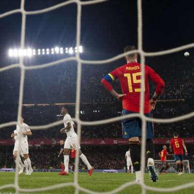 ما هي أسباب خسارة المنتخب الإسباني أمام إنكلترا؟
