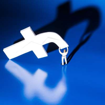 كيف نحذف «فايسبوك» و«إنستغرام» من حياتنا إلى الأبد؟