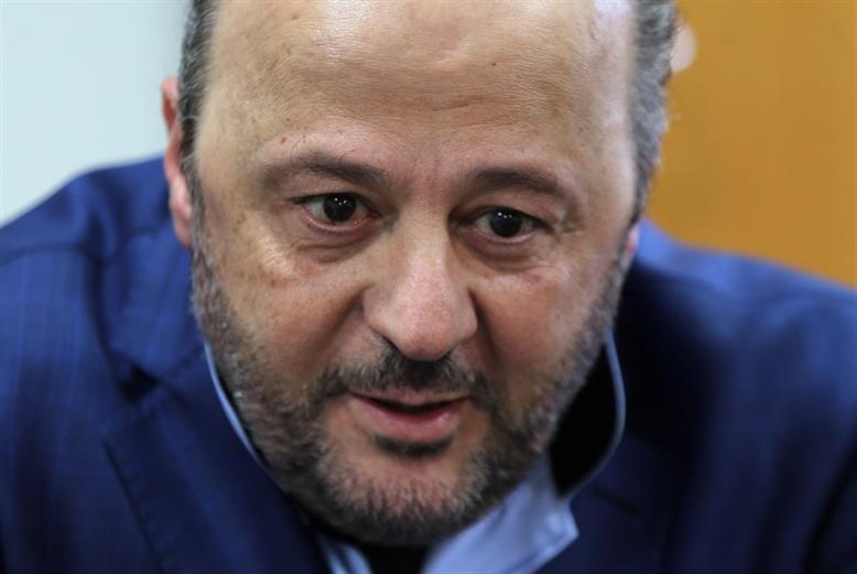 التيار: القوات تعتقل الحريري!