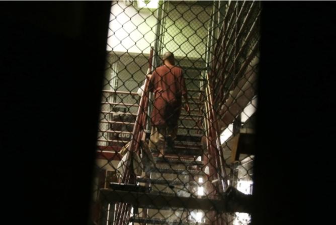 محضر تحقيق في سجن أميركي سرّي: توثيق رسمي لأساليب التعذيب