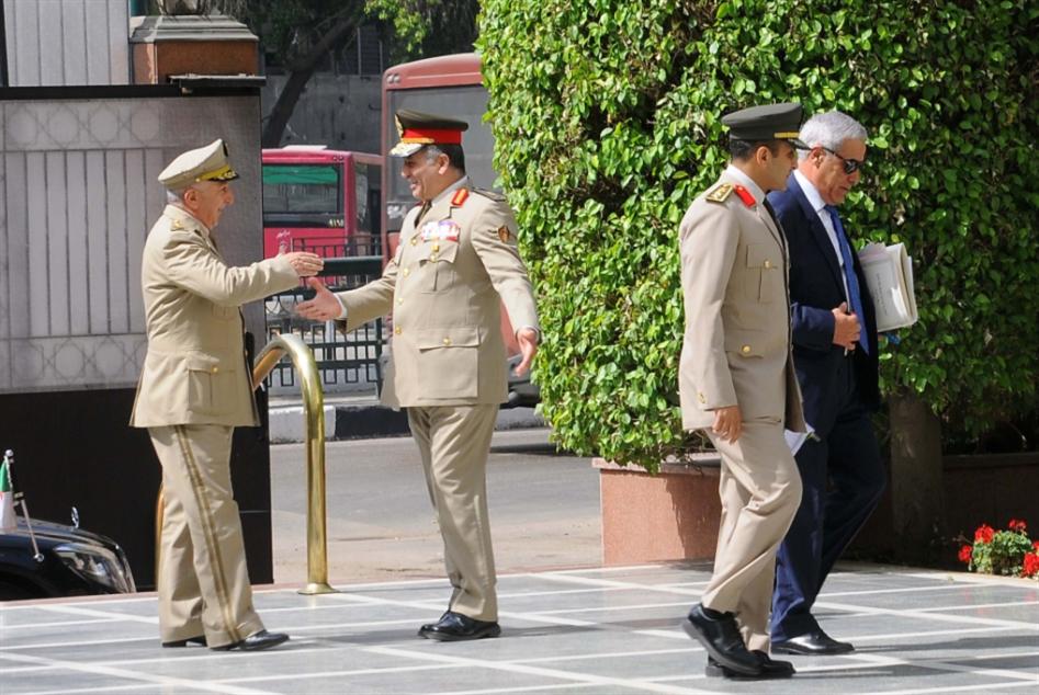 مصر | حتى العسكر تحت «مقصلة» الرقابة الإعلامية!