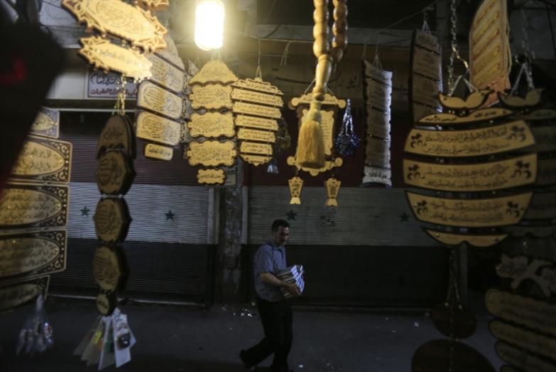 السوريون و«المرسوم 16»: كرة نارٍ «افتراضيّة»
