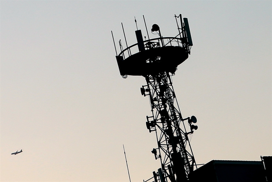 وزارة الاتصالات: المال السائب يعلّم الحرام!