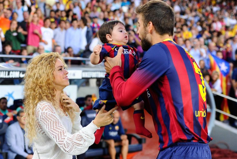 خلف كل إمرأة عظيمة... لاعب كرة قدم