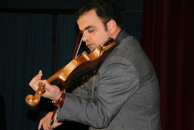 سهرة في «بلو نوت» مع «ساحر الكمان»