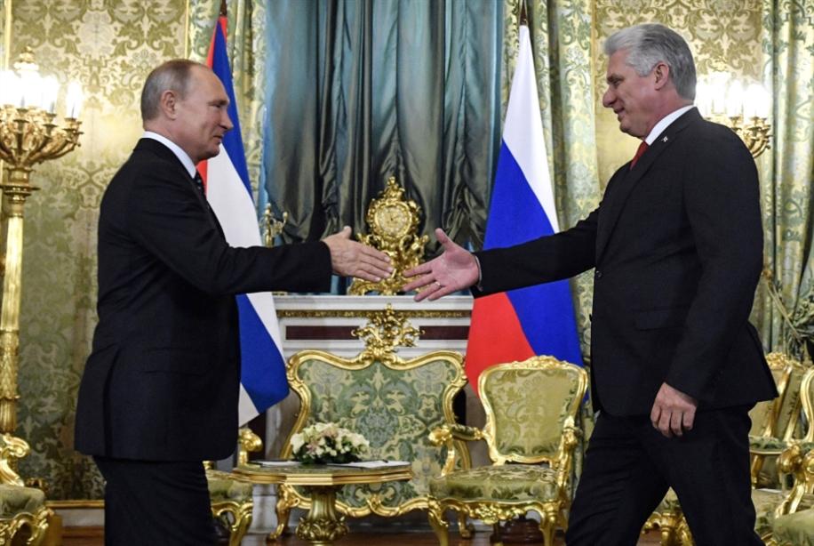 الرئيس الكوبي في موسكو: توطيد العلاقات الاقتصادية بين الحليفين التاريخيين