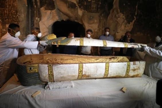 مصر: الكشف عن تابوت أثري لم يُفتح من قبل