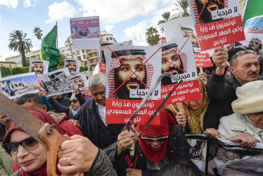 إبن سلمان محاطاً بسرية الحركة في مصر وتونس: وعود وتسجيل حضور