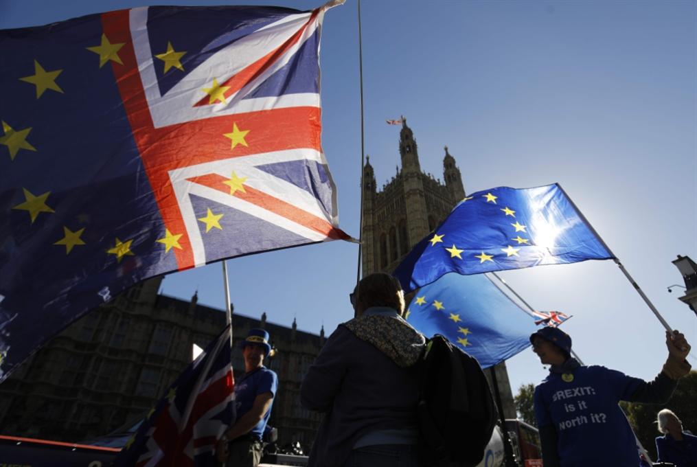 اتفاق بين لندن وبروكسيل بشأن الحدود الإيرلندية؟