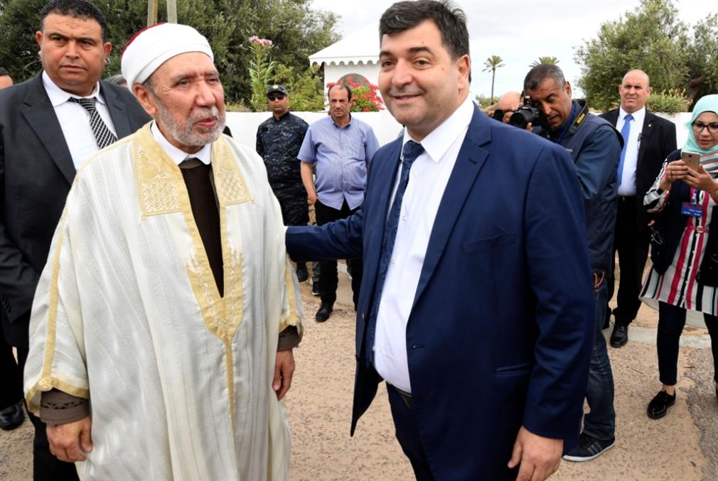 تونس | الشاهد يفاجئ خصومه: تعديل وزاري يركّز موقعه