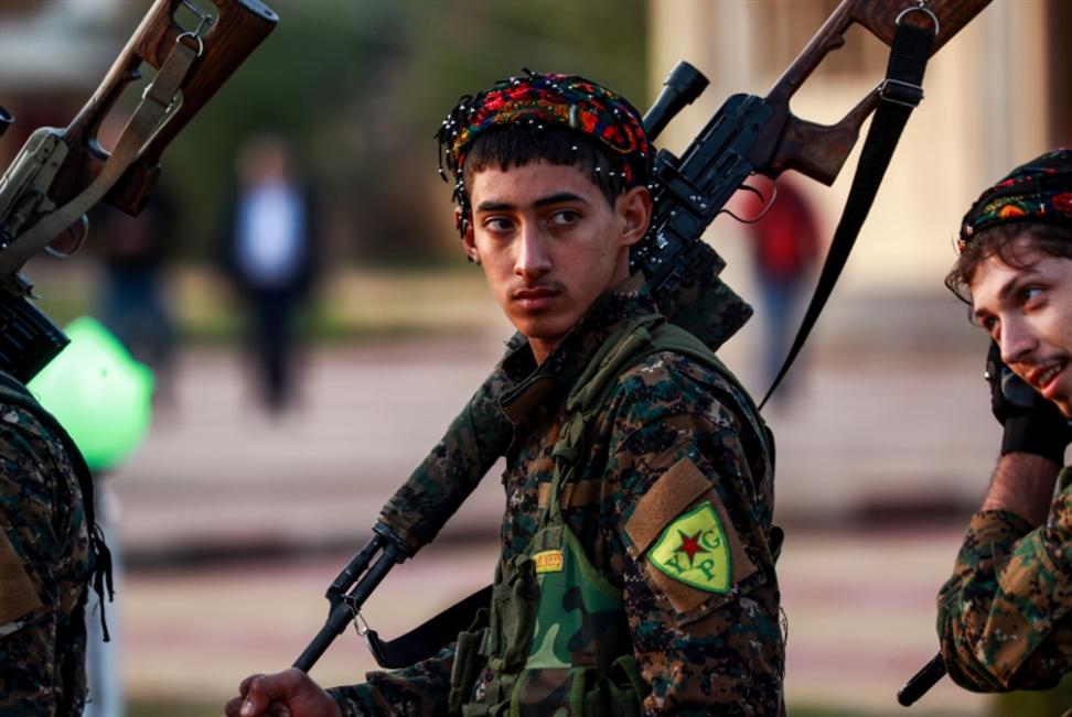 معركة «طويلة» في جيب هجين: «داعش» متمسّكٌ بمعقله «الأخير»
