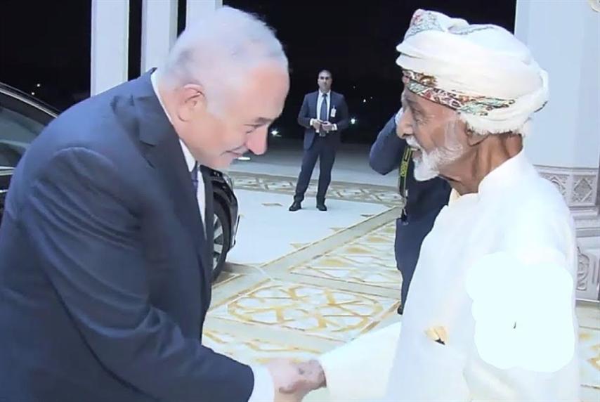 الإمارات «ترتّب» لخلافة قابوس