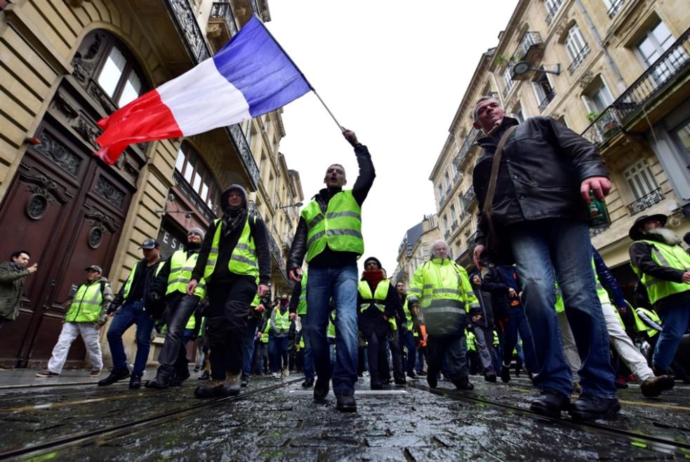 احتجاجات «السترات الصفر»: هدنة الأعياد أم  «ثورة حتى النصر»؟