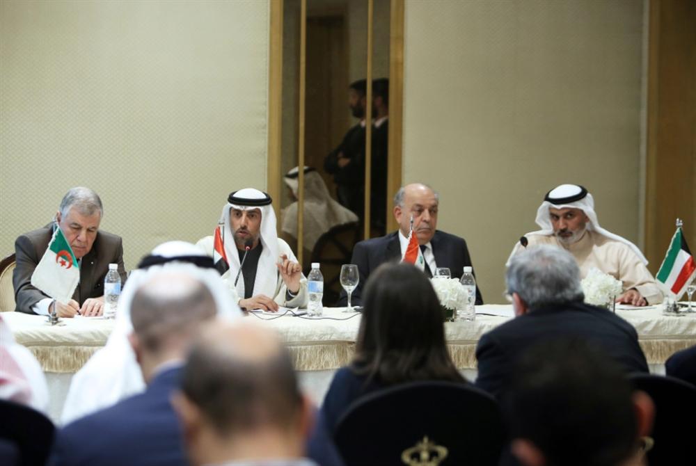انحدار النفط يوحّد المنتجين العرب: لزيادة التخفيض إذا لم ينجح الاتفاق