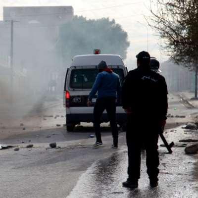 تواصل الاحتجاجات إثر انتحار صحافي حرقاً