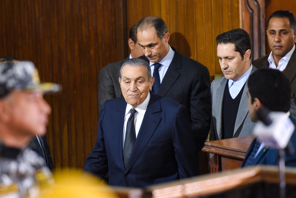 مبارك شاهداً على مرسي: فرصة الانتقام من «الإخوان»