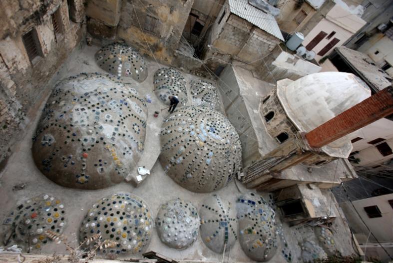 حمامات صيدا القديمة: قليل من المستحمّين... كثير من السيّاح