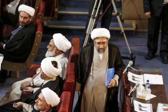 طهران بعد غياب شاهرودي: لاريجاني لـ«مجمّع التشخيص»... ورئيسي للقضاء؟