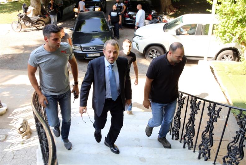لبنان «يتفرّج» على عودة العرب إلى سوريا