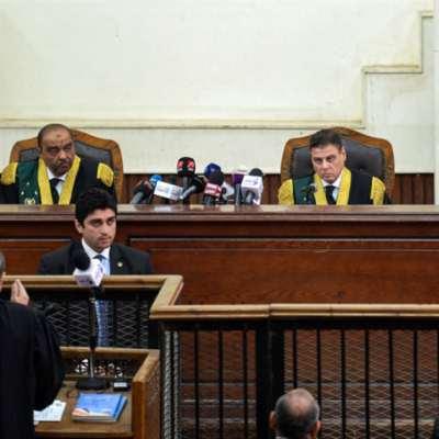 مبارك يطالب باعتباره عسكرياً... والمحكمة ترفض