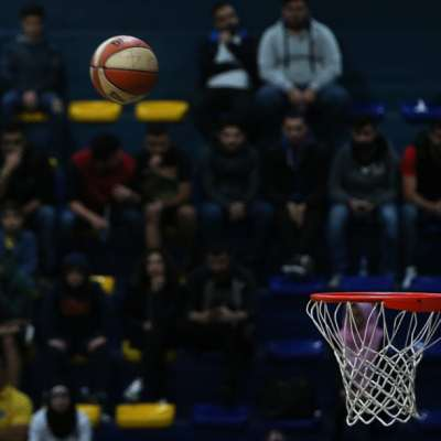 الحُكم للبناني في بطولة كرة السلة