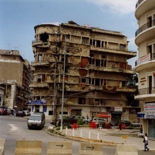 عمارة بيروت... شظايا الحرب والسلم