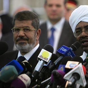 «انقلاب» أمني على «الإخوان»... وإجراءات تركية وقطرية