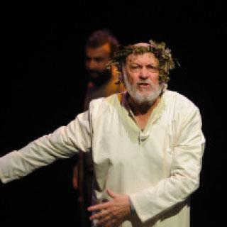 «لير» في بيروت من إخراج سحر عسّاف: روجيه عسّاف ملك المسرح اللبناني