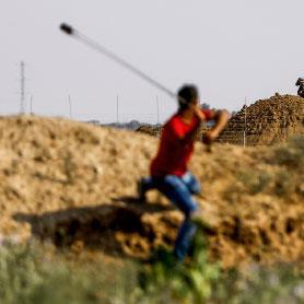 غزة تتضامن... باشتباكات الحدود