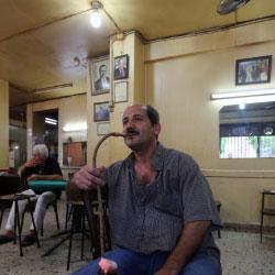 مقاهي بيروت القديمة: العزّ للعجمي... والمعسَّل شنق حالو!