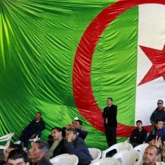 الجزائر | معارك السلطة والمال: الجميع يتكلم    باسم الرئيس!