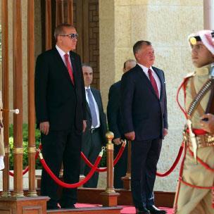 الأردن «الحائر» في سوريا... طوق النجاة في المعابر؟