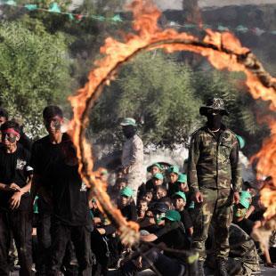 «حماس» تعيد الدفة إلى طهران... ودمشق